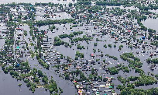 Bis zum Jahr 2100 könnten der Prognose allein in den sechs asiatischen Ländern Gebiete dauerhaft unter Wasser stehen, die derzeit von 250 Millionen Menschen bewohnt werden