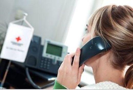 Die Anrufer bleiben anonym, die Mitarbeiterinnen und Mitarbeiter der Kummernummer auch: Es geht ums Reden miteinander.