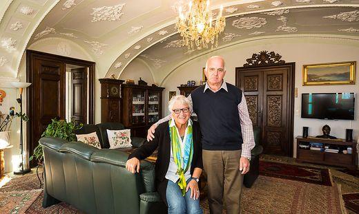 Evelin und Georg Schlamadinger im ehemaligen Speisezimmer