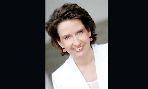 Patricia Pawlicki moderiert das Parlamentsmagazin Hohes Haus