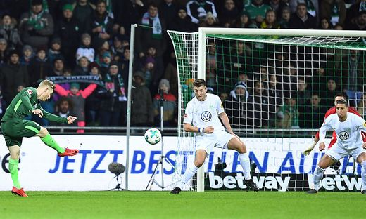 SOCCER - 1.DFL, Bremen vs Wolfsburg