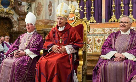 Erzbischof von Salzburg Franz Lackner mit dem emeritierten Bischof Egon Kapellari und der Grazer Diözesanadministrator Heinrich Schnuderl
