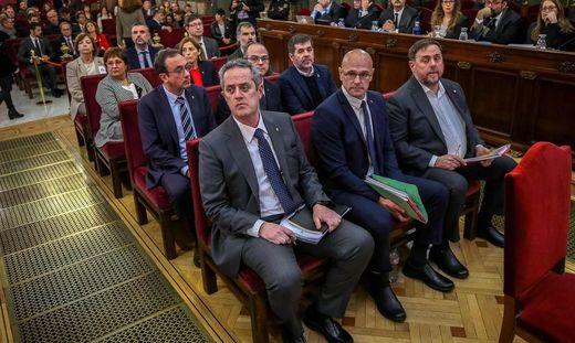 Lange Haftstrafen für Katalanen-Anführer