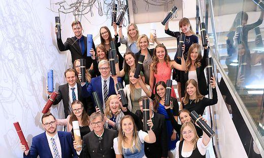 Jubel bei der Sponsion gab es von Lehramtsstudierenden aus Kärnten, der Steiermark und dem Burgenland. Sie alle absolvierten die neue Lehrerausbildung