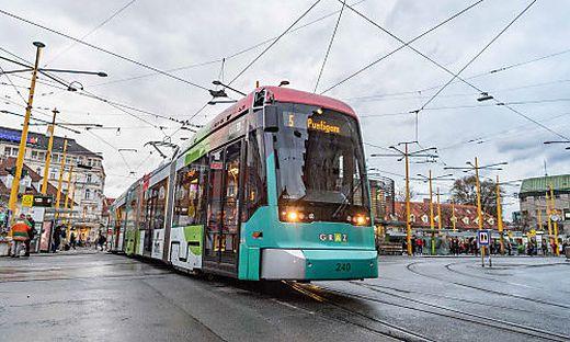Am Dienstag und Mittwoch kann der 5er nur bis Zentralfriedhof fahren - dann übernimmt Ersatzbus