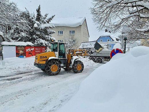Mehrere tausend Lkw-Ladungen Schnee wurden schon abtransportiert