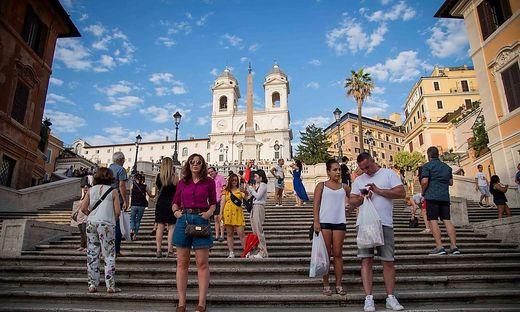 New municipal ordinance which prohibits sitting on the steps of Trinita' dei Monti in Piazza di Spagna Rome Italy