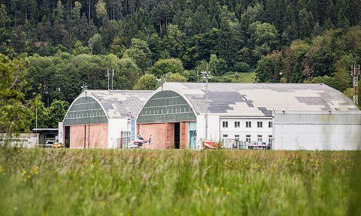 Flughafen Klagenfurt historischer Hangar historische Hangars vor Abriss