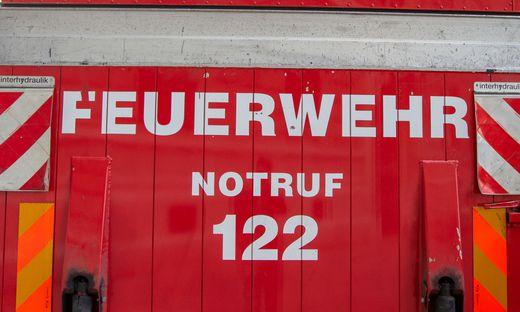 ++ THEMENBILD ++ FEUERWEHR / NOTRUF / 122 / EINSATZKRAeFTE