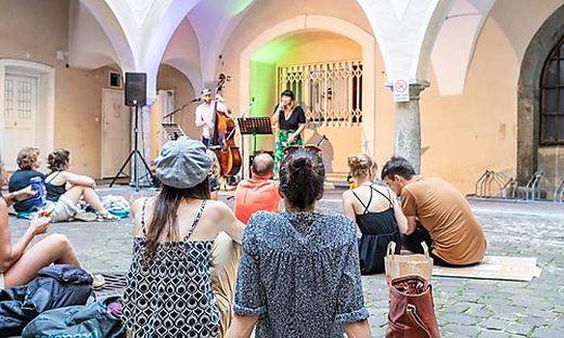Kulturelles Sommerfeeling in der Innenstadt von Klagenfurt