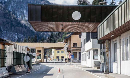 Grenze an  der alten Bundesstraße nach Italien in Thörl-Maglern Ende letzter Woche