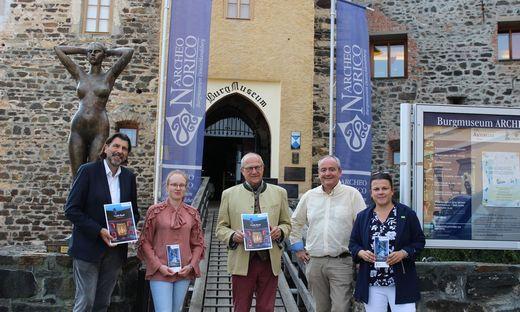 Auf der Burg Deutschlandsberg wurde der neue Kulturangebotsfolder der Schlösserstraße präsentiert