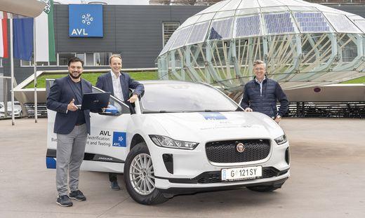 Setzen auf künstliche Intelligenz in der Auto-Industrie: Patrick Ratheiser, Stefan Schmidhofer (beide Leftshift One) und AVL-Produktmanager Gerhard Schagerl (v. l.)
