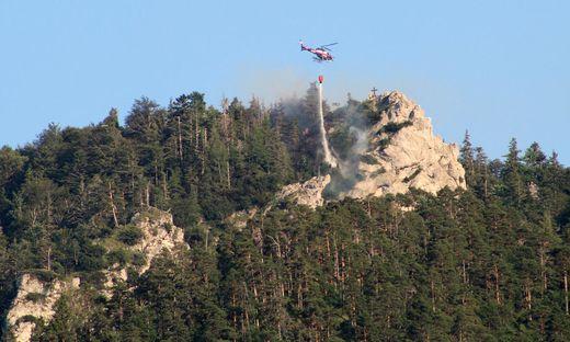 Schwierige Löscharbeiten bei Waldbrand am Almkogel