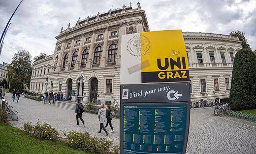 Nun werden auch die letzten Studierenden vor der Uni verschwinden.