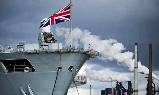 Britischer Flugzeugträger HMS Ocean