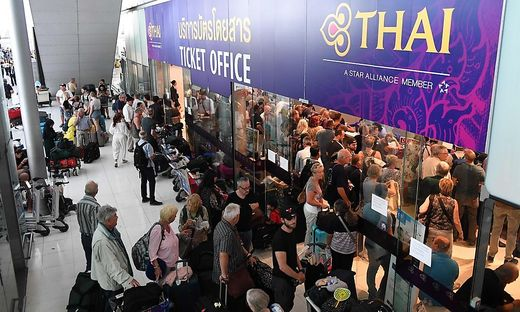 Tausende Passagiere sitzen in Bangkok fest