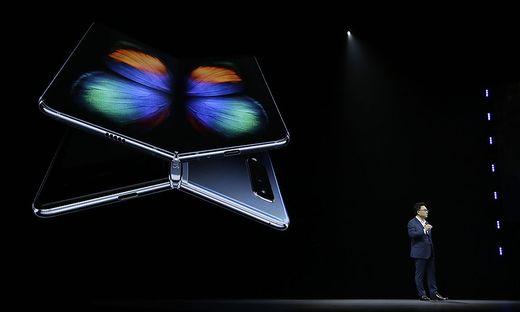 """DJ Koh mit dem """"Galaxy Fold"""""""