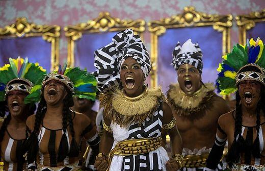 Politische Parade gewann Wettbewerb der Sambaschulen