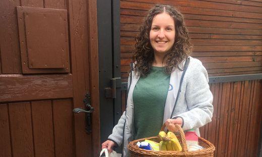 Verena Rinnhofer organisiert Einkäufe und bringt sie teilweise auch selbst zu kranken und älteren Menschen