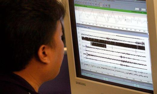 INDONESI EARTHQUAKE SEISMOGRAPH