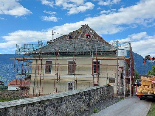 Ein Bauprojekt 2020: Das Dach des Pfarrhofes St. Stefan/Gail wurde neu gedeckt