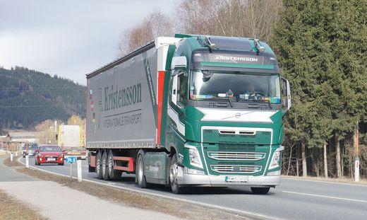 Der Schwerverkehr auf der B 78 (Obdacher Straße) sorgt in der Steiermark und in Kärnten für Diskussionen