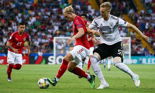 Traumtor von Waldschmidt:DFB-Junioren machen EM-Halbfinale perfekt