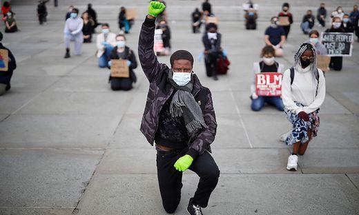 Floyds Tod führte in den USA zu Massenprotesten gegen Polizeigewalt und Rassismus