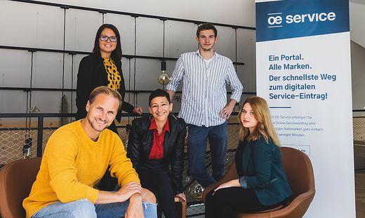"""OE Service""-Team mit Janos Juvan, Maja Jesse, Raffaella Trani, Paul Saxer und Teodora Ionescu"