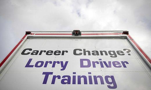 Angeblich soll es gegenwärtig an 100.000 Lkw-Fahrern in Großbritannien fehlen
