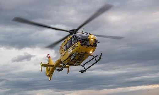 Der Öamtc-Notarzthubschrauber Christophorus 11 flog den Verletzten ins Klinikum Klagenfurt