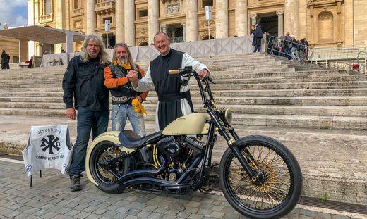 Papst Franziskus segnete Harley für guten Zweck