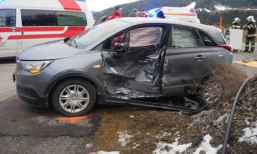 Das Fahrzeug der Geistlichen wurde seitlich schwer beschädigt