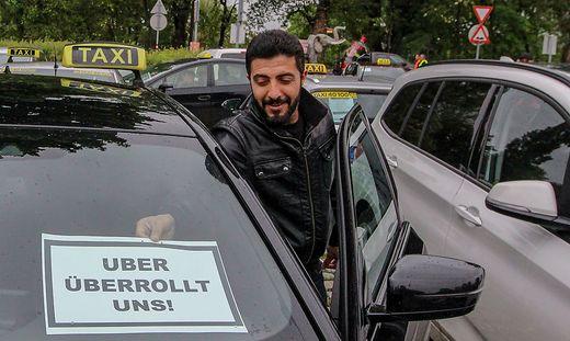 Österreichs Taxler machen auf allen Fronten gegen Uber mobil