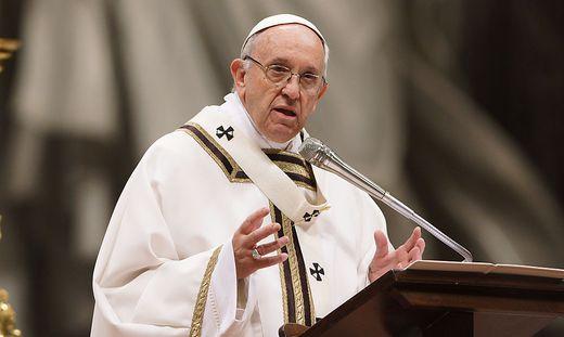 Papst gibt Erdogan lange Audienz
