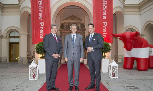 CA Immo CFO Hans Volkert Volckens, Finanzminister Hartwig Löger und Börse-Vorstand Christoph Boschan beim Wiener Börse Preis 2018