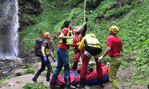 Die Bergung des Verletzten aus dem unwegsamen Gelände war extrem schwierig