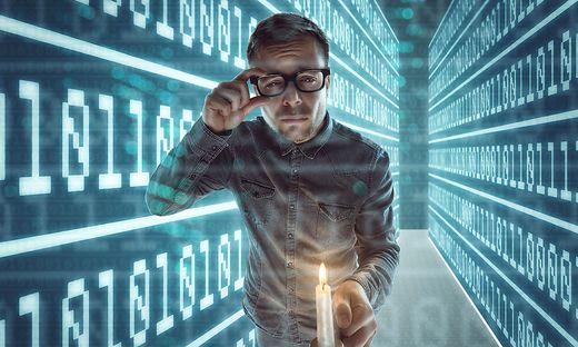 Fehlersuche zwischen Bits und Bytes: Künstliche Intelligenz findet sich da schneller zurecht