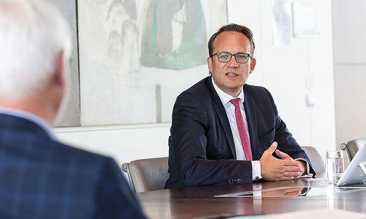 """RWE-Vorstandsvorsitzender Markus Krebber: """"Gemeinsam mit Partnern 20 Milliarden Euro in den Ausbau Erneuerbarer"""""""