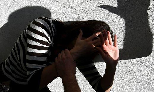 Der Mann soll seine Freundin mehrfach bedroht haben (Sujetbild)