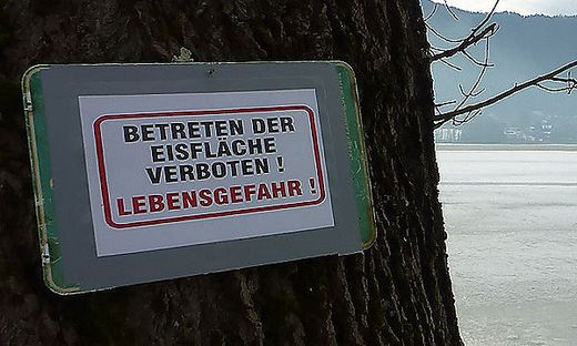 Das Eislaufverbot am Ossiacher See wird mittlerweile streng kontrolliert. Für sechs junge Feldkirchner gab es jetzt Anzeigen (Archivfoto)