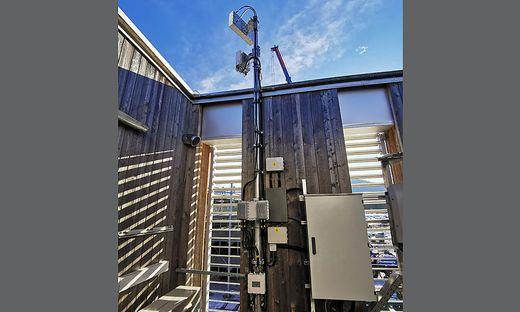 Über den Dächern des Lakesideparks haben die Netzwerktechniker der FH die 5G-Antennen für den Testbetrieb eingerichtet – sie funken seit 2018