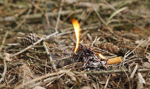 Offenes Feuer kann bei Trockenheit Waldbrände verursachen