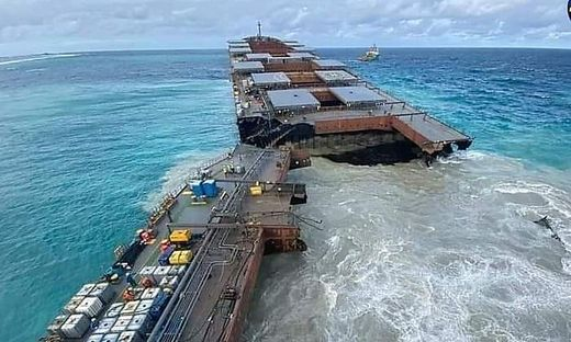 Havarierter Frachter vor Mauritius auseinandergebrochen