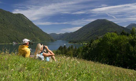 Der Weissensee: Sportlich-kulinarischer Urlaub zwischen Berg und See