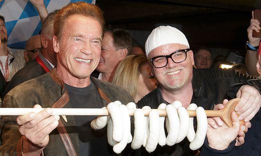 Arnold Schwarzenegger und DJ Ötzi bei der legendären Weißwurstparty im Vorjahr