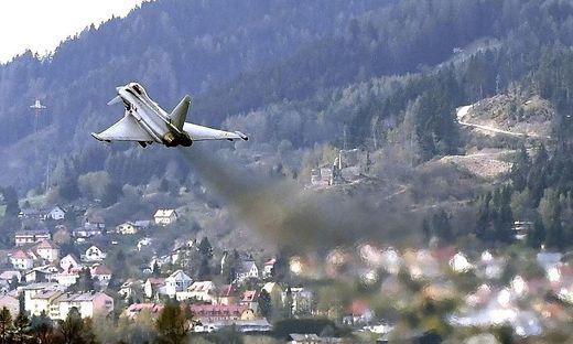 THEMENBILD: EUROFIGHTER IM FLIEGERHORST HINTERSTOISSER
