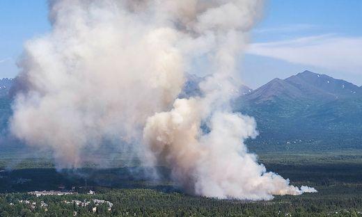 Ein Waldbrand nahe Anchorage, Alaska