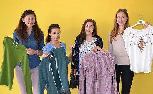 Schülerinnen organisieren Tauschbörse